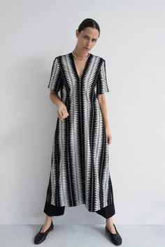 Partow Resort 2019 Fashion Show Collection: See the complete Partow Resort 2019 collection. Look 27