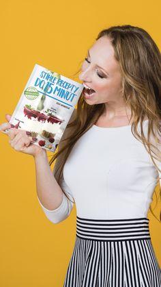 50 rýchlych, nutrične vyvážených receptov od ktorých nepriberieš. Kniha dostupná v slovenčine aj češtine :) Reusable Tote Bags, Fit, Fashion, Moda, Shape, Fashion Styles, Fashion Illustrations