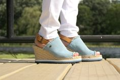 Over 50 Womens Fashion, Huaraches, What To Wear, Espadrilles, Hair Beauty, Mom, My Style, Outfits, Accessories