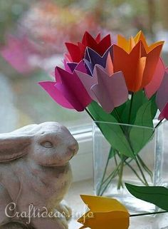 Spring Crafts for Kids - Paper Tulips Flower Bouquet, they could even make their own gift tag to tie them together, lovely alternative to a card! Spring Crafts For Kids, Spring Projects, Paper Crafts For Kids, Crafts To Do, Easter Crafts, Projects For Kids, Diy For Kids, Diy Paper, Spring Activities