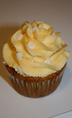 Beautiful Yellow Cupcake » Best Cupcake Pins