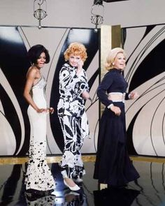 Lucy and Dinah Shore being Diana Ross' Supremes