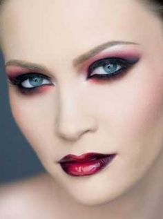 Vampire Makeup and Vampire Look Makeup Tips
