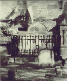 Alvin Langdon Coburn, Greyfriar's Cemetery c.1905