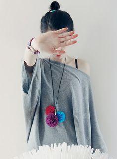 roboty reczne pompom necklace