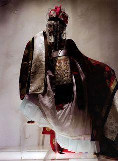 Détail de l'image -korea hanbok vogue fashion man this shoot is borderline making me ...