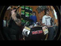 Viejas Locas - No me pienso levantar (video oficial) HD - YouTube