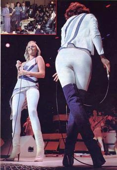 Agnetha and Frida (showing off some nice butt) on stage in Japan in March 1980. Pics are from a Japanes magazine.