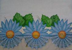 Este é o campeão de vendas, o crochê pintado dá todo um charme na peça, em qualquer cor da flor, o efeito é sempre o mesmo... mais e mais pedidos...   Pano de prato estilotex ( alta qualidade) e crochê  com linha Cléa R$ 26,00