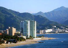 Zona Hotelera Puerto Vallarta: http://www.puertovallarta.net/espanol/que-hacer/zona-hotelera.php    Puerto Vallarta Hotel zone: http://www.puertovallarta.net/what_to_do/hotel_zone.php    #vallarta #mexico #puertovallarta #beach #travel