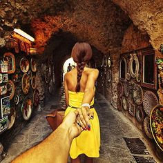 Instagrammer's girlfriend drags him around the world