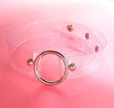 Clear o ring choker with silver holographic glitter, vegan choker, transparent 90s necklece, Perfect for Coachella, Electric Daisy Carnival, 90s kid, goth lollita and cyber lollita. Invariable accompaniment for every fashion victim :)) Size Fit Neck : app 32 - 38 CM/12.60-14.96 (size can adjust ) 3 cm diameter wheels Colors may vary a bit from screen to screen. For any questions please mail me Ill be happy to help you with informations about available sizes and colors ! Im open for cust...