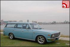 toyota-crown-wagon