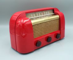 Pink Radio, Retro Radios, Red Mirror, Short Waves, Icon Design, Restoration, Mid Century, Plays, Cord