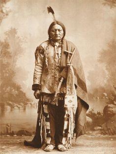 Toro Seduto Native American Legends, Native American Wisdom, Native American Beauty, Native American Photos, Native American History, Native American Indians, Sioux, Sitting Bull, Foto Picture