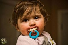 awesome pacifier baby picture // funny hysterical humor