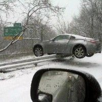 Road accident results in nissan teetering on a guardrail media gallery. featuring 1 road accident results in nissan teetering on a guardrail (. Snow Crash, Slip And Fall, Nissan 350z, Road Trippin, Car Humor, Winter Fun, Amazing Cars, Awesome, Automobile