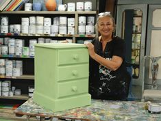 Annie Sloan shows you how to paint with Chalk Paint® in Lem Lem, her special, limited edition colour in collaboration with Oxfam. Using Chalk Paint, Chalk Paint Projects, Paint Ideas, Chalk Painting, Painting Antique Furniture, Paint Furniture, Furniture Refinishing, Furniture Ideas, Annie Sloan Farbe