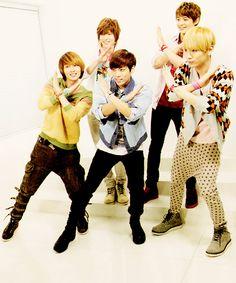 Shinee X