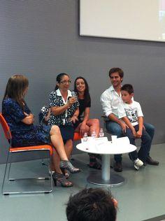 Elenco de actores durante la presentación del rodaje de #LaEstrella; gracias por recibir con tanta calidez al pueblo de #SantaColomadeGramenet