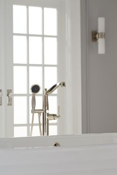 With faucets that arch into service with both the delicate curve and muscular strength of a swan's neck, the Pendleton Collection by Mirabelle adds character and beauty to any bath. Designed with clean lines and gentle curves, the collection's sophisticated appeal adds pleasure and grace to your home's private retreat.