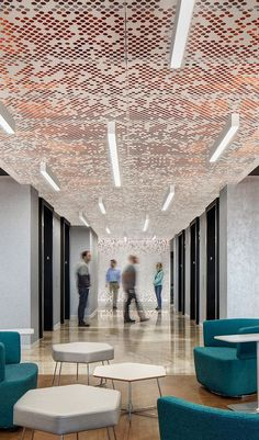 Vapor® ceiling systems offer a variety of patterns generated from simple, repea. Office Ceiling, Floor Ceiling, Ceiling Panels, Architecture Restaurant, Interior Architecture, Interior Design, Ceiling Detail, Ceiling Design, Corporate Interiors