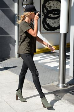 hailey-baldwin-at-the-urth-cafe-in-beverly-hills-8-18-2016-1.jpg (1280×1946)