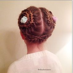 Recreated a double lacebraided bun I did a while ago. Lacebraid is one of favorites because it is quite an easy technique to create very different styles. ✨Here I started from the front and just braided to the other ear into a spiral form. ✨ #2014bestbun @jehat #lacebraid #bun #kampaus #juhlakampaus #spiralbraid #spiraaliletti