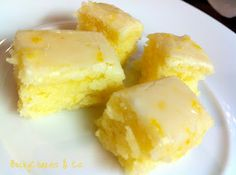 Lemony Lemon Brownies Ingredients: cup unsalted butter, softened cup flour 2 eggs, large 2 tbsps lemon zest 2 tbsps lemon juice cup granulated sugar teaspoon sea salt For the tart lemon glaze: 4 tbsps lemon juice 8 tsps lemon zest 1 cup icing sugar Lemon Desserts, Lemon Recipes, Just Desserts, Sweet Recipes, Dessert Recipes, Recipes Dinner, Dinner Ideas, Brownie Recipes, Juice Recipes