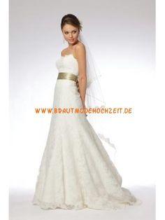 Schlichtes romantisches Brautkleid aus Spitze Bodenlang A-Linie Trägerlos
