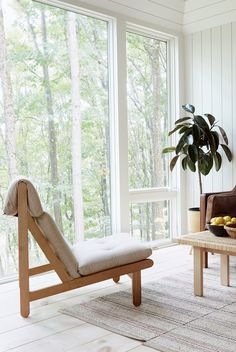 Midland Architecture's Greg Dutton designs a tiny cabin influenced by Nordic design for his family in Ohio Nordic Design, Scandinavian Design, Living Area, Living Spaces, Living Rooms, Off Grid Cabin, Interior Architecture, Interior Design, White Shiplap