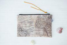 Wristlet portemonnee met polsband wereldkaart door ViggiHandmade