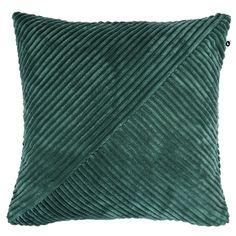 Kuddfodral CUT. 45x45 cm . Kuddfodral tillverkad av 100% polyester.  Innerkudde säljs separat.