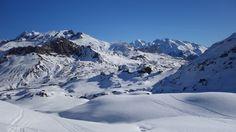 Punta Estremera (2128 metros), Foratata (2341 metros), Infiernos, Vignemale (3298 metros), Garmo Negro (3064 metros), Argualas (3044 metros)...