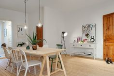 my scandinavian home: Light wood, white walls and a touch of vintage Decorating A New Home, Interior Decorating, Home Decor, Scandinavian Interior, Home Fashion, Interior Design Inspiration, Home Design, White Walls, Furniture Decor