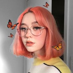 This has nothing to do with aesthetic makeup but I like why it is aesthetic so why not? Cute Makeup, Makeup Looks, Hair Makeup, Pretty Makeup, Aesthetic Hair, Aesthetic Makeup, Aesthetic Clothes, Rose Gold Hair, Pink Hair