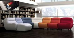 Esta composición modular permite diseñar el espacio totalmente al gusto. Una opción para personalizar al máximo nuestro salón. Y es que seas como seas, en Muebles Guerra te ayudamos a convertir tu casa en un hogar.