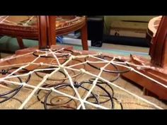 Paso a paso sillas con muelles Upholstery, Furniture, Pallets, Home Decor, Chair Repair, Furniture Restoration, Recycled Furniture, Decoration Home, Home Decoration