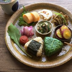Learn what are Chinese Meat Food Preparation Japanese Food Dishes, Cute Food, Good Food, Plate Lunch, Food Tasting, Exotic Food, Aesthetic Food, Food Design, Food Preparation