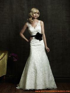 Robe de mariée dentelle col V ceinture