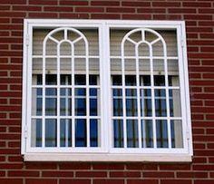 Home Window Grill Design, Iron Window Grill, Window Grill Design Modern, House Window Design, Grill Door Design, Balcony Railing Design, Bungalow House Design, Bay Window Exterior, Burglar Bars