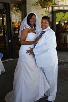 Northwest Iowa Lesbian Wedding Performed By Brandon Jay Hansen Lesbian Wedding Photos Lgbt Wedding