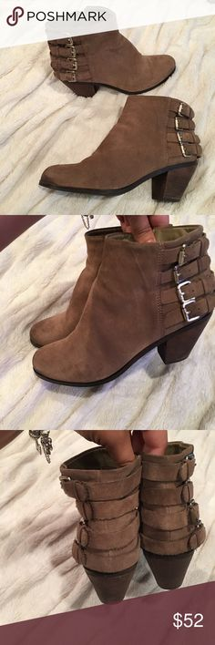 Sam Edelman Lucca Brown Suede Ankle Zipper Boots Sam Edelman Lucca Women's Brown Suede Ankle Zipper Boots, Size 7.5 Great Shape! Bookies Sam Edelman Shoes Ankle Boots & Booties