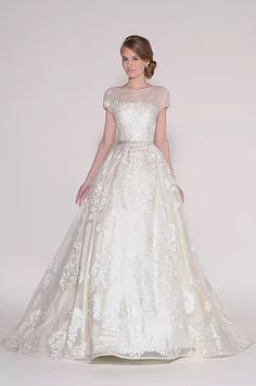 Explore the Spring 2016 Bridal Collection from Eugenia Couture, each wedding dress is curated with the best of fabrics and perfectly tailored to fit each bride.