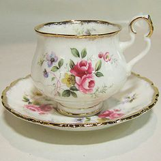 Royal Albert tea cup and saucer. Made in England of bone china. Tea Cup Set, My Cup Of Tea, Tea Cup Saucer, Tea Sets, Royal Albert, Vintage Cups, Shabby Vintage, Vintage China, Café Chocolate