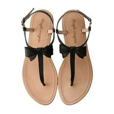#.Black sandals:)
