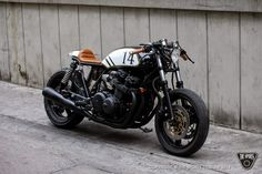 RocketGarage Cafe Racer: TSC CB750 - 14's On a Roll