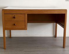Willem Penaat desk designed for the PTT in 1920 executed by Boumans Meubelfabrieken Rotterdam. Dutch Nieuwe Kunst.