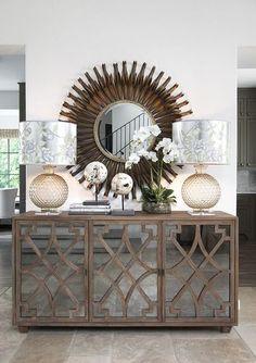 Aparador com portas espelhadas na cor fumê #design #decor