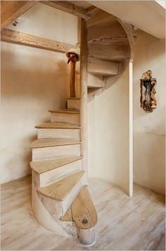 Wendeltreppe Aus Holz Einfaches Design Rustic StairsWoodworking LogoSpiral